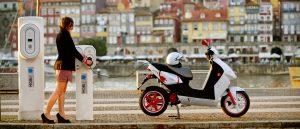 Recharger scooter electrique