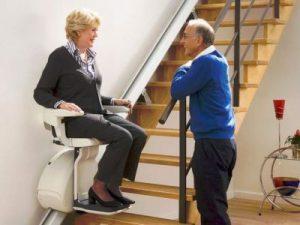 monte escalier personnes agées